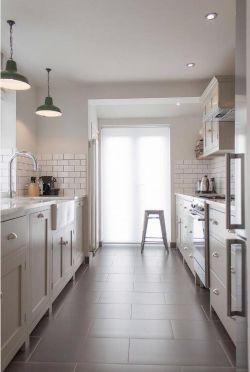 长方形经典厨房设计2018