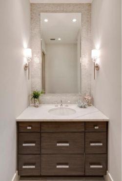 超小戶型衛生間洗手臺鏡前燈設計圖片