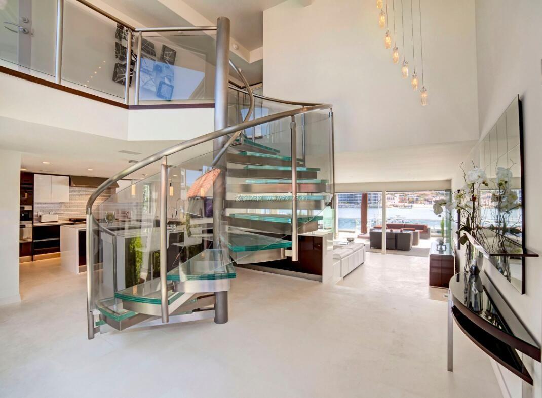 现代简约别墅室内不锈钢楼梯设计