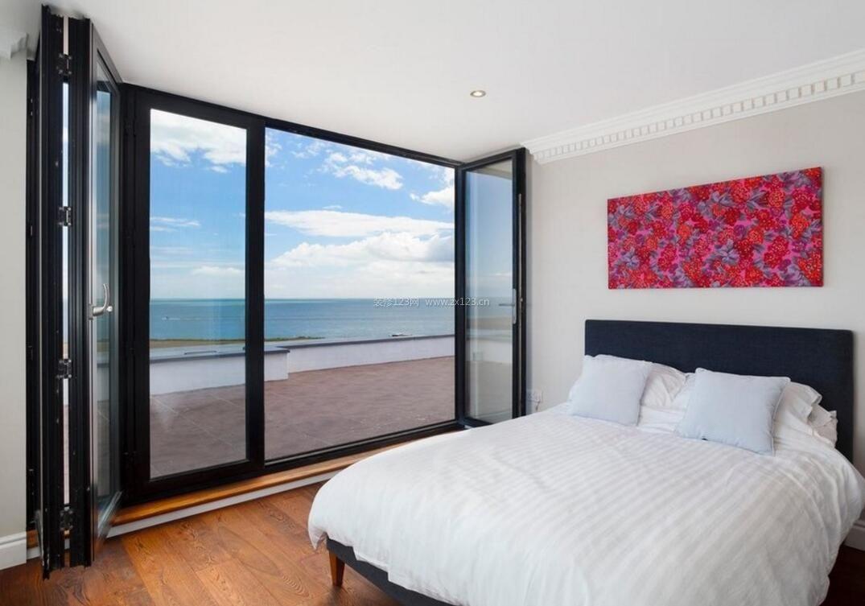 海景房卧室带阳台设计照片_装修123效果图