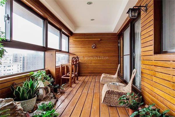 阳台装修事项     阳台是建筑物室内的外延,阳台装修是室内空间与外部