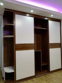 2018简约现代卧室衣柜内部结构设计图片