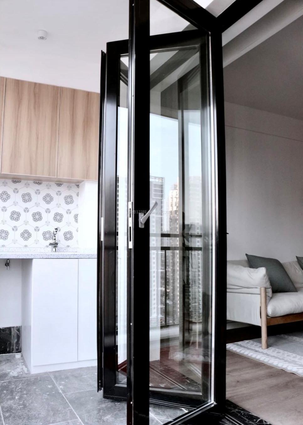 2018北欧家居客厅阳台玻璃门隔断装修效果图