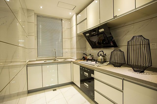 2018简约家装厨房转角橱柜设计装修效果图