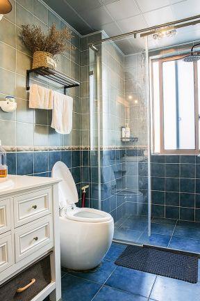 2018简约美式卫生间装修效果图 2018毛巾架安装位置图片