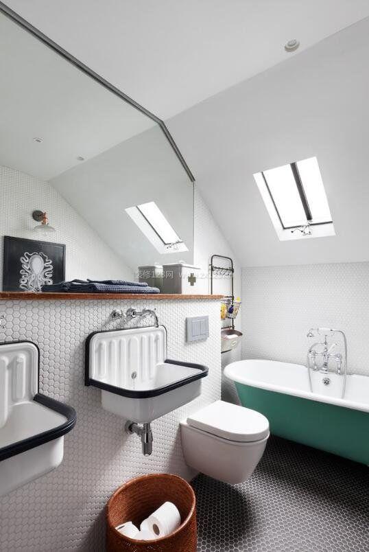 斜顶阁楼家庭洗手间洗手台设计图
