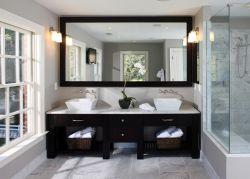 衛生間雙人洗手盆鏡前燈裝飾效果圖片