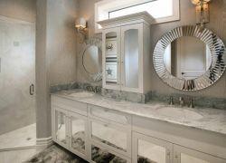 衛生間洗手臺鏡子鏡前燈圖片