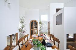 北歐風格躍層餐廳實木餐桌裝修圖片