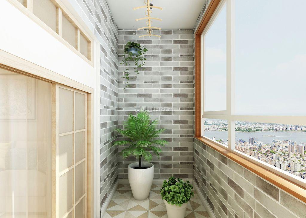 家庭封闭小阳台墙壁瓷砖装修效果图