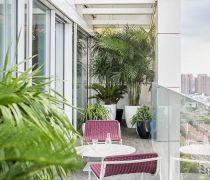 公寓式住宅花园阳台栏杆设计图片