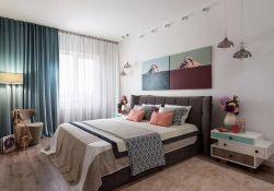 二居室主臥床頭柜燈具裝修設計