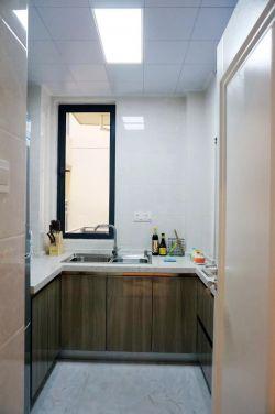 現代簡約風格廚房原木色櫥柜設計圖片