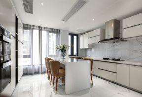 開放式廚房餐廳一體裝修效果圖 白色廚房裝修效果圖