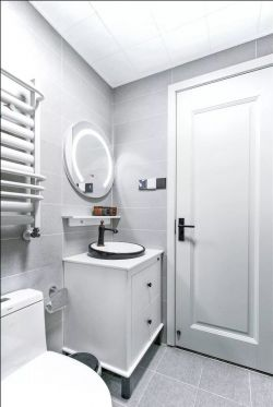 現代風格衛生間墻磚背景墻設計效果圖片