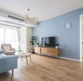 現代簡約客廳淡藍色電視墻設計圖片-每日推薦