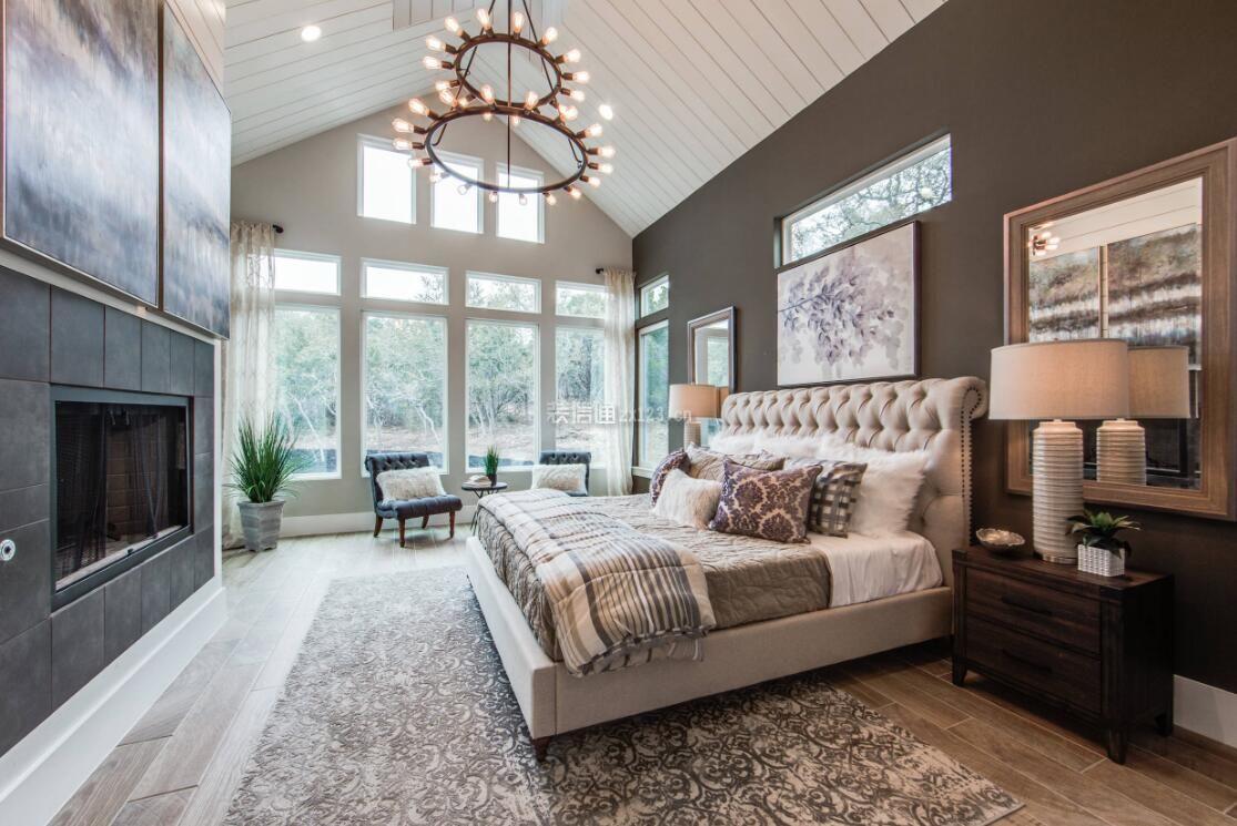 房屋卧室斜顶吊顶装饰设计图片