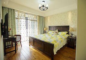 新房臥室裝修效果圖  2018美式風格床裝修效果圖