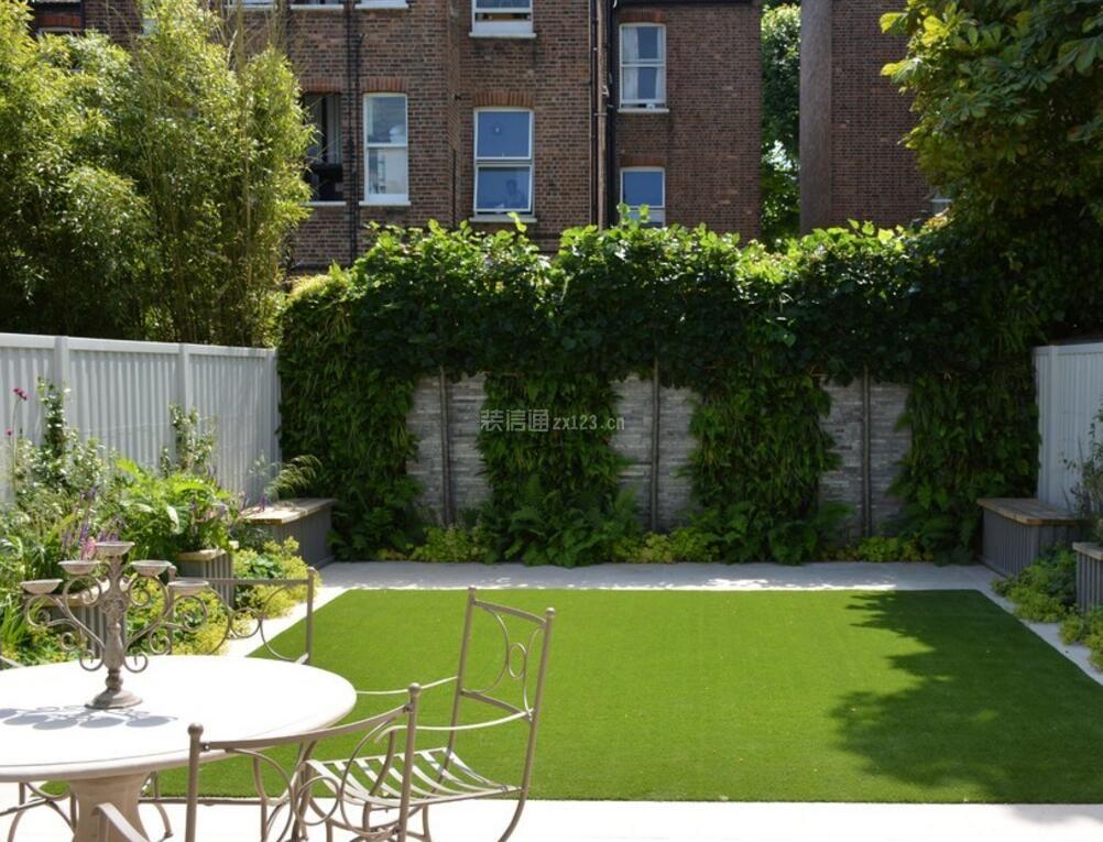 家庭庭院草坪装饰设计效果图