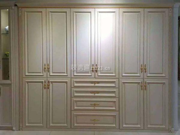 白色木纹板衣柜图片