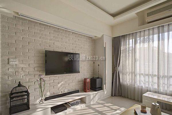 或者电视机尺寸较小,跟背景墙看起来就不协调了.