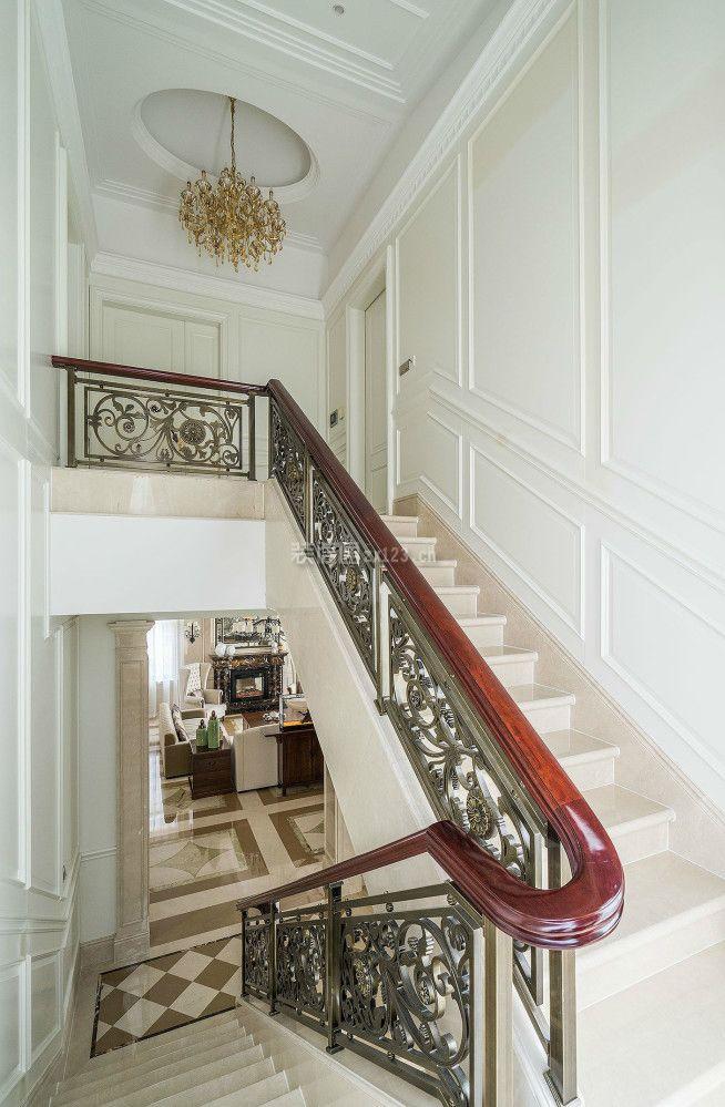 2018简约欧式风格豪华别墅楼梯装修设计图片