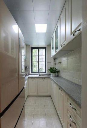 50平米小两居长方形厨房装修效果图