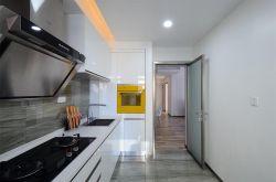 華龍雅苑三居120平混搭風格廚房門裝修效果