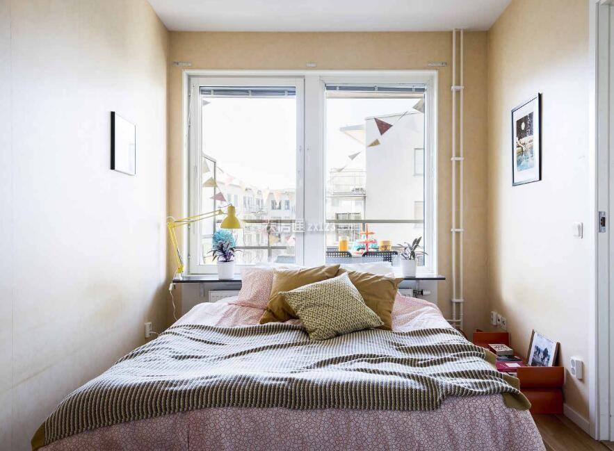小户型北欧风格女生卧室设计图片