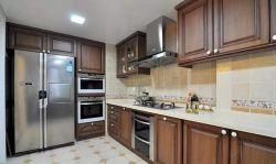 140平米三居簡美式風格廚房實木櫥柜設計圖片