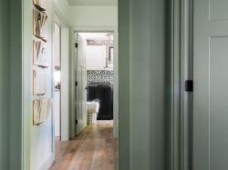 2018時尚家居衛生間過道木地板鋪設圖片