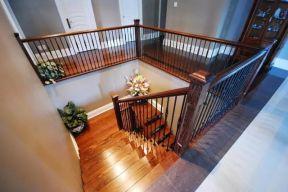 實木樓梯扶手裝修 實木樓梯圖片