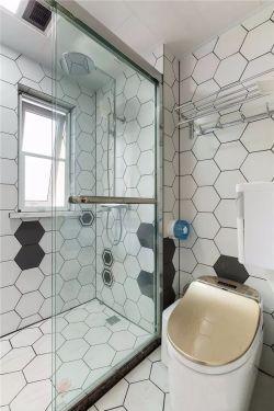 現代北歐風格110平二居衛生間玻璃隔斷設計圖