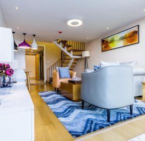 单身公寓样板房客厅木地板装修效果图2020-每日推荐