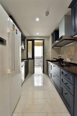 101平米現代輕奢三居室廚房設計圖片
