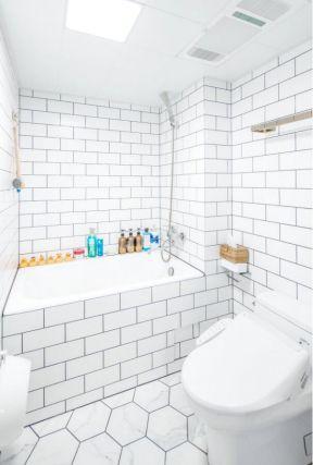 2019卫生间白色瓷砖贴图效果 砖砌浴缸装修效果图片