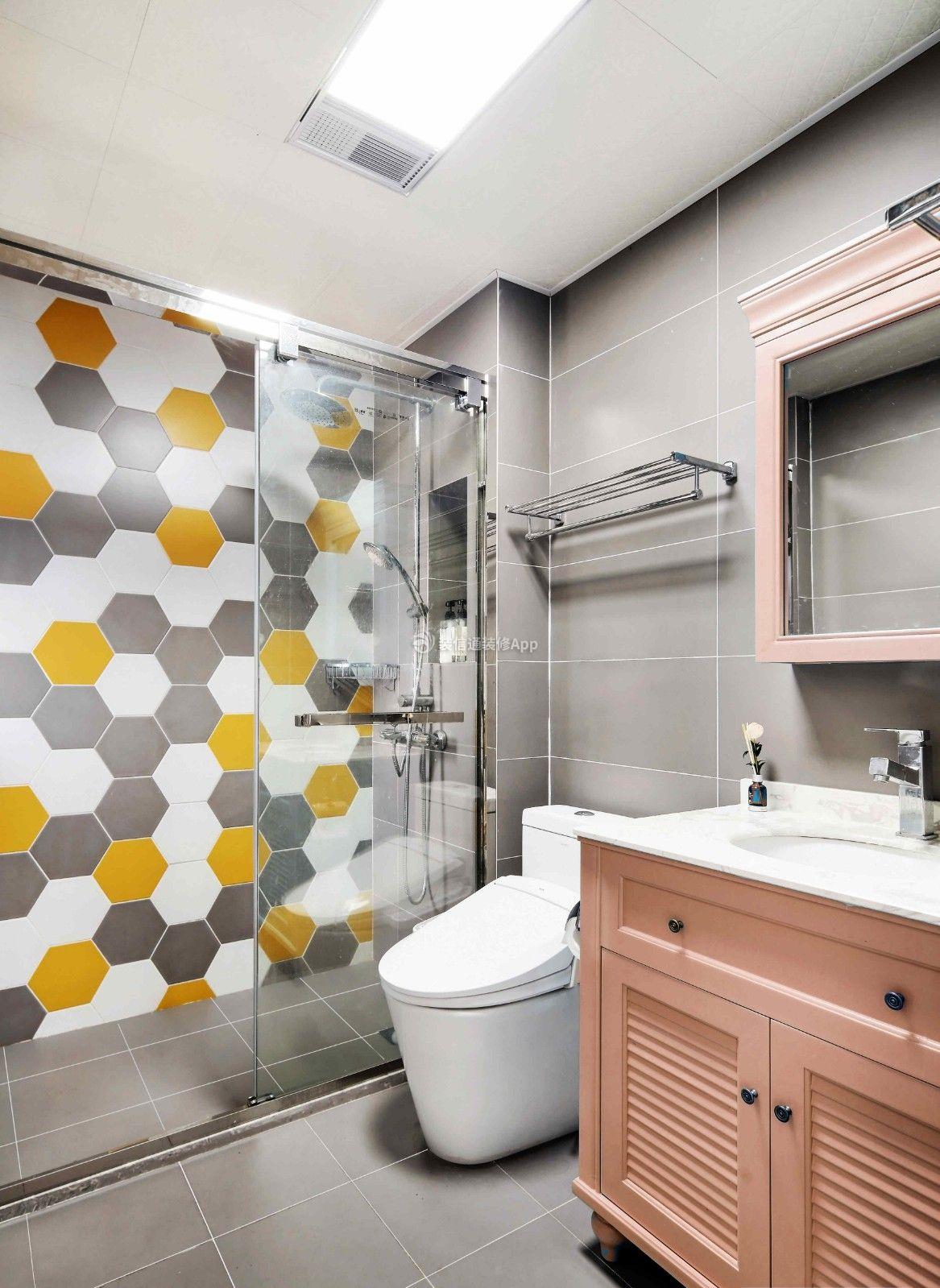 最新85平米二居现代卫生间装修设计效果图