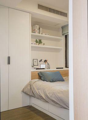 135平新房卧室白色衣柜设计图片