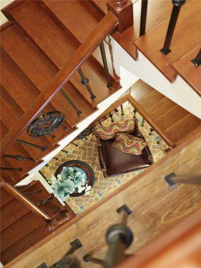 別墅樓梯木扶手 二層別墅樓梯設計