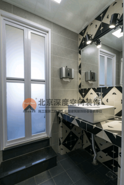 聯達雅居150平復式樓洗手臺鏡前燈裝修設計圖片