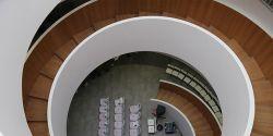 現代風格1200平辦公室樓梯裝修