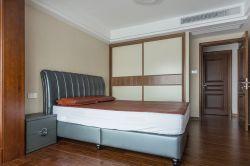 復式140平現代風格臥室裝修設計圖