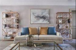 130平米三居美式輕奢風格客廳置物架實景圖