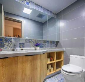 110平三室一廳一廚一衛衛生間浴室柜實景圖片-每日推薦
