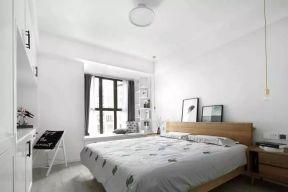 臥室木床 臥室床靠墻裝修效果圖