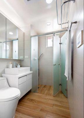 浴室門裝修效果圖 浴室門圖片 折疊門圖片大全