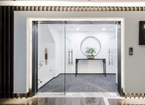 办公室进门玄关bob最新客户端效果图 办公室进门玄关 办公室玻璃门装饰图片