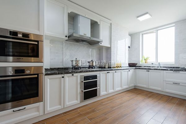 厨房地面装修用什么材料