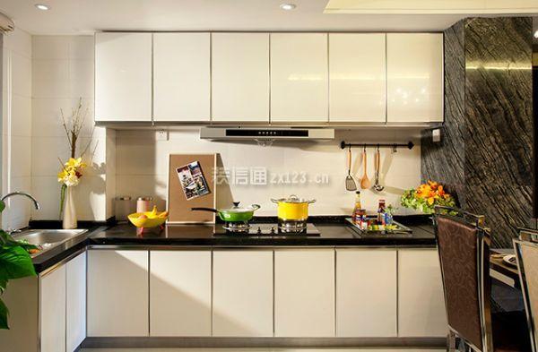 厨房厨柜装修用什么材料