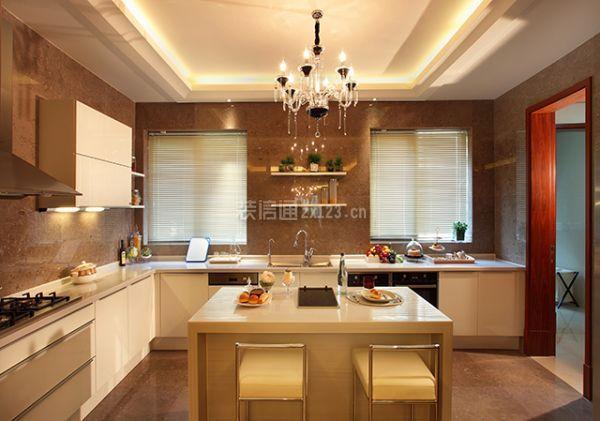 厨房灯具装修用什么材料